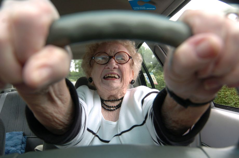 ten-signs-to-stop-driving-older-driver