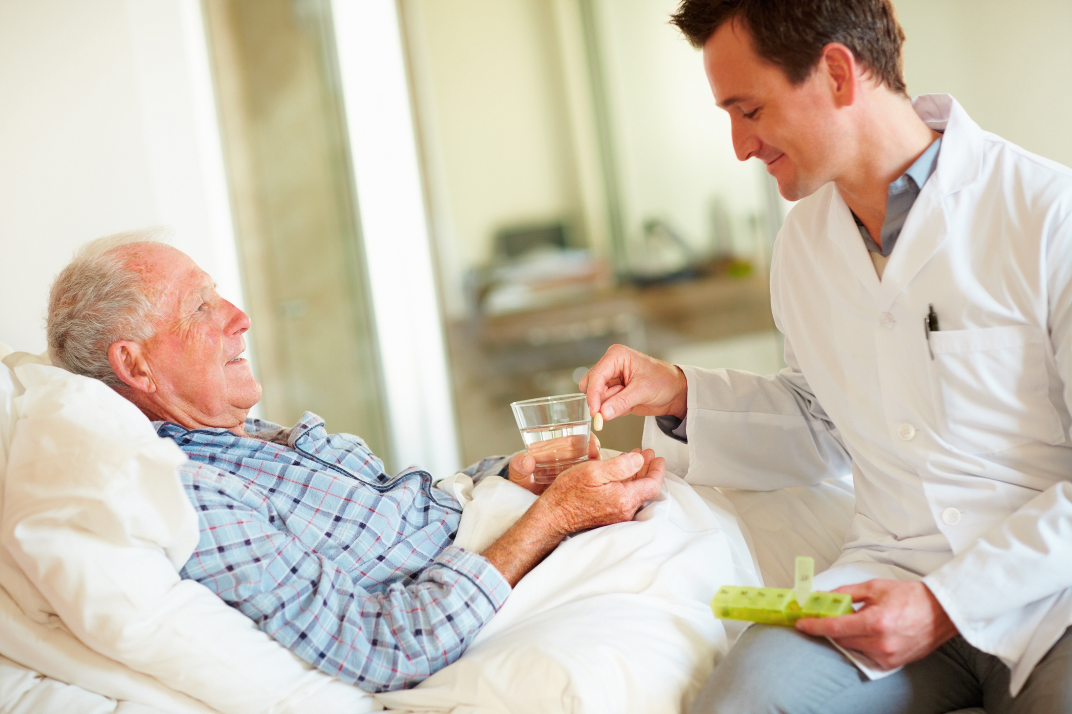 in-home-care-vs-nursing-home-care